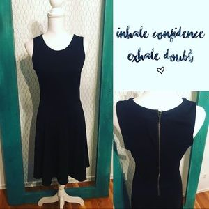 Sweet LBD ❤️ Old Navy size medium snug fit dress
